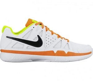 Nike – Air Vapor Advantage Carpet Herren Tennisschuh (weiß/orange),5